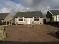 2 bedroom Detached Bungalow in Yew Tree Drive, Lammack...