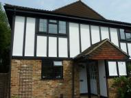 Apartment to rent in Halleys Walk, Addlestone...