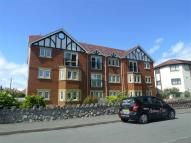 Flat to rent in Meadowcroft Court...