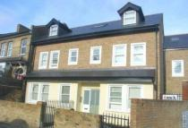 2 bed Flat to rent in Lothair Road,   W5