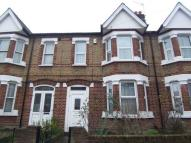 3 bedroom Flat in Deans Road, W7
