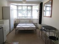 Studio apartment in Pitshanger Lane, W5