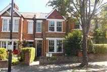 2 bedroom Flat in Woodfield Road, W5