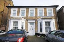 Flat to rent in Drayton Green Road, W13
