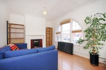 Flat to rent in Northfield Avenue, W13