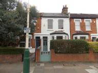 2 bedroom property in Cranmer Avenue, W13