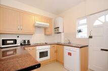 3 bedroom Flat in Northfield Avenue, W13