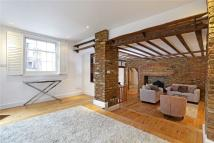 Cottage to rent in Church Street, London, W4