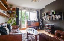 1 bedroom Flat in Somerford Grove Estate...