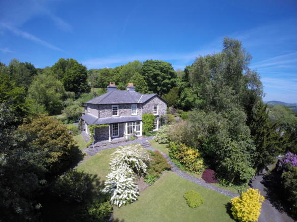 6 Bedroom Guest House For Sale In Abercelyn Country House