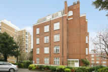 2 bedroom Flat to rent in Ross Court, Putney Hill...
