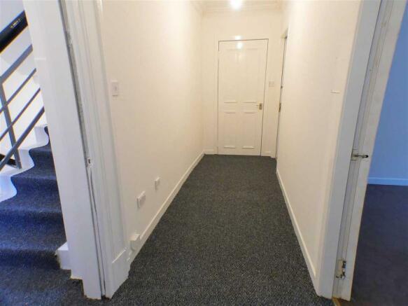Entrance Hallway (3)