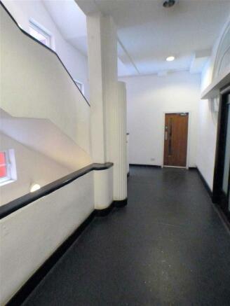 Entrance Close (1)
