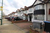3 bed Terraced house to rent in Lavender Avenue...