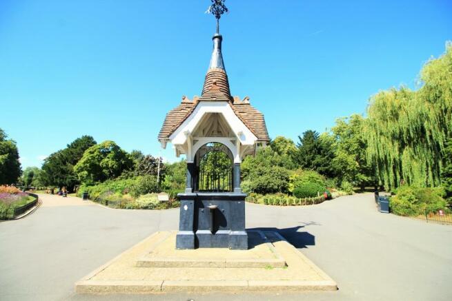 Roundwood Park 1