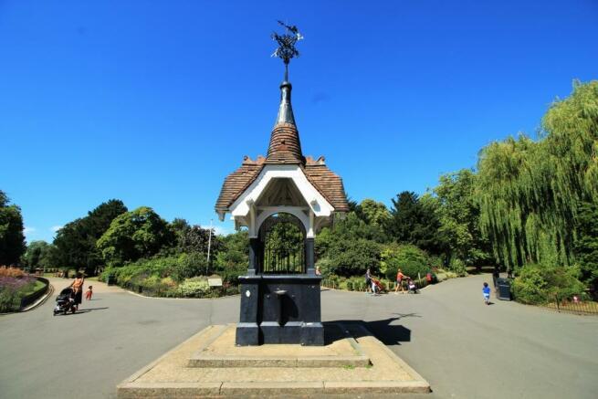 Roundwood Park 2