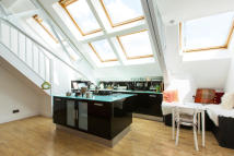 2 bed Apartment in Brook Road, Dollis Hill...