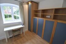 Studio apartment in 101, Fulham Palace Road...