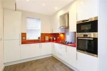 3 bedroom Flat in Cavendish Road, London...