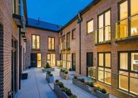3 bed new development in Hob Mews...