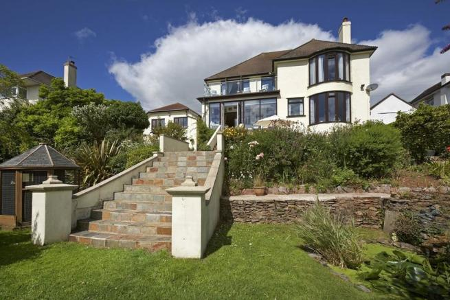 4 bedroom detached house for sale in dartmouth road