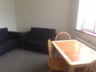 Roding Road Flat to rent