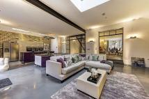 6 bed Detached home to rent in Willesden Lane...
