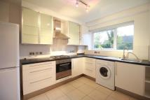 Apartment to rent in Torrington Park, London...