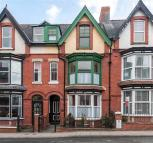 7 bed Terraced house for sale in The Links...