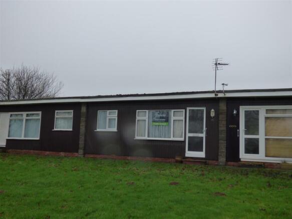 2 bedroom bungalow for sale in norton dartmouth tq6