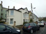 Barton Crescent Flat to rent