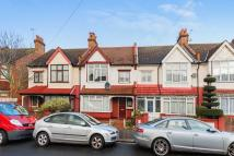 3 bed Terraced house for sale in Raymead Avenue...