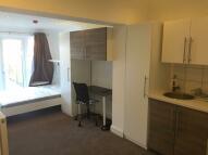 Studio apartment to rent in Vicarage Farm Road...