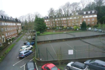 Studio flat to rent in Sudbury Hill, Harrow...
