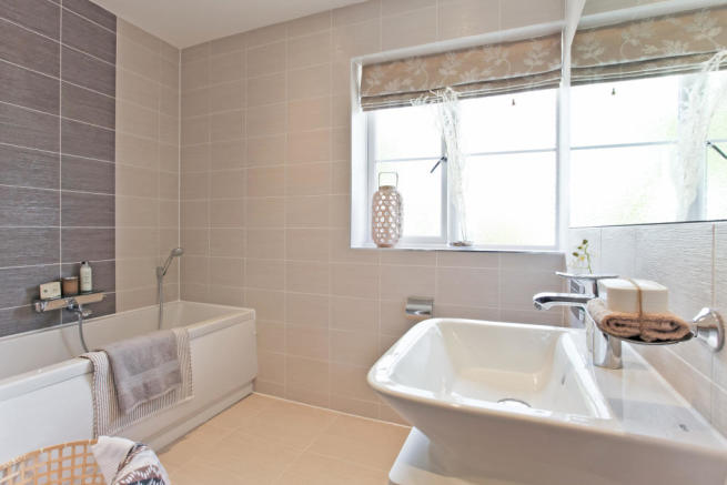 HighclereSp_bathroom