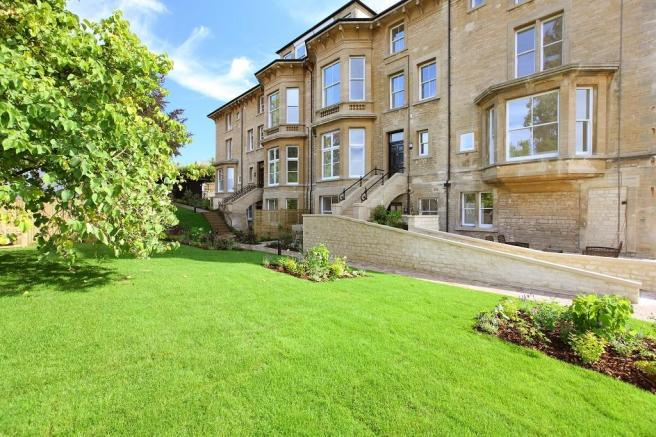 3 bedroom terraced house for sale in new street chipping for Kitchens chipping norton