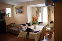 3 bedroom Flat in Woodstock Avenue, London...