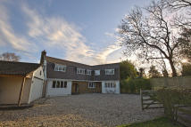 5 bed Detached house in Cromwell Lane...