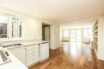 2 bed Flat in Munster Road...
