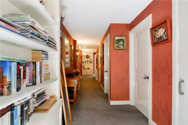 Se1:Hallway