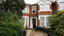 1 bed Flat to rent in De Vere Gardens, Ilford...