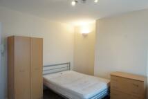 Studio apartment in Long Lane, London, N3