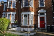 Flat to rent in Coolhurst Road, London...
