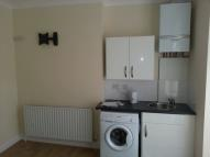 Studio flat to rent in Finsbury Park, London, N4