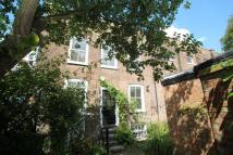 3 bedroom End of Terrace house in Swains Lane...