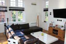 2 bedroom Flat to rent in Kavanaghs Court...