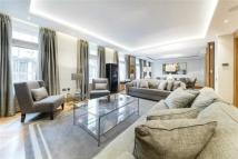 3 bed Flat to rent in Upper Grosvenor Street...