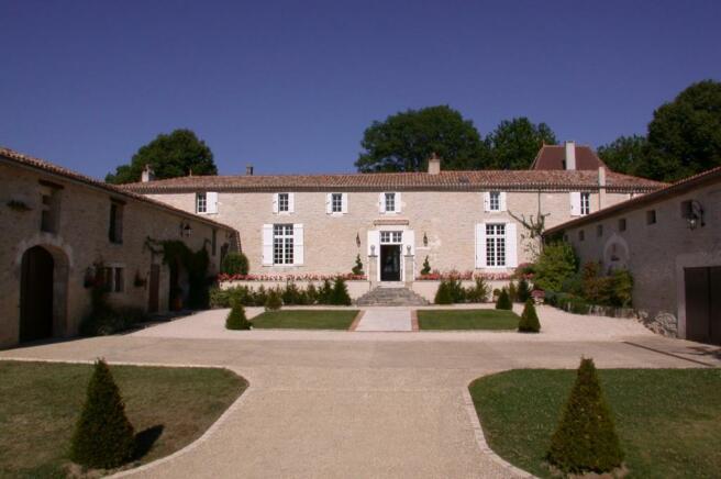 courtyard fine