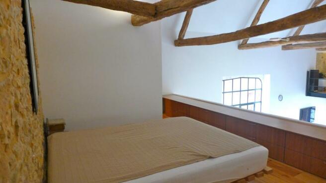19.Mezzanine bed