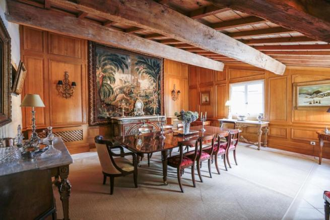 St Emilion Chateau for sale    dining room